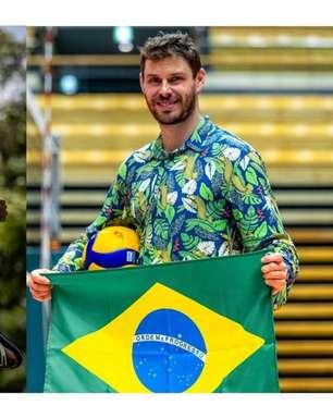 Atletas brasileiros fazem desfile simbólico na Vila Olímpica