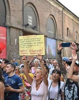Manifestantes protestam contra uso de passe sanitário na Itália