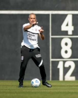 Sylvinho indica Corinthians com poucas mudanças em Cuiabá