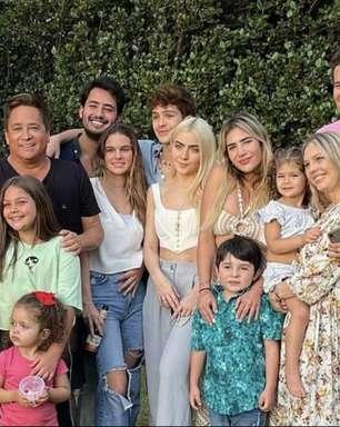 Leonardo completa 58 anos de idade e comemora com a família