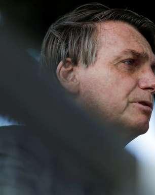 """Bolsonaro afirma que Mourão """"por vezes"""" atrapalha governo"""