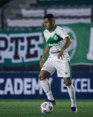 Dawhan comemora vitória na estreia pelo Juventude e valoriza período sem jogos para preparação do grupo