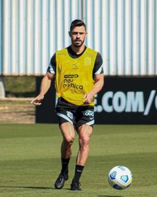 Giuliano treina com bola, e Corinthians se reapresenta para iniciar semana de treinos