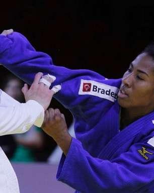 Rival não bate peso ideal, e Ketleyn Quadros avança por W.O.