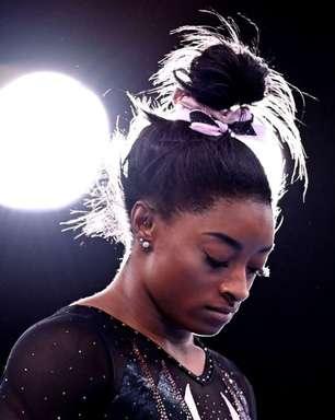 """Afastada, Simone Biles diz que ainda """"tem medo da ginástica"""""""