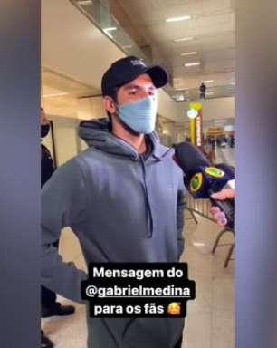 TÓQUIO: Gabriel Medina desembarca no Brasil, já fala em disputar a próxima Olimpíada e reencontra Yasmin Brunet