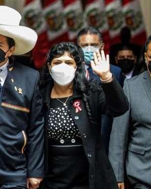 Castillo se prepara para nomear seu número dois em cerimônia em Ayacucho