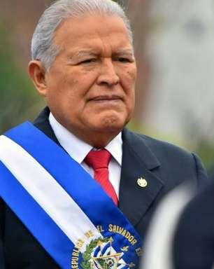 Nicarágua dá cidadania a ex-presidente salvadorenho, foragido da justiça