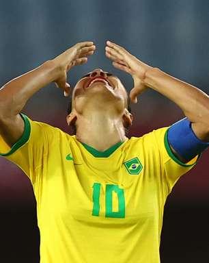 """""""Futebol feminino não acaba aqui"""", diz Marta após eliminação"""