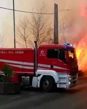 Incêndio na Sicília causa evacuação e fecha aeroporto em Catânia