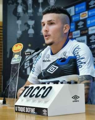 Danilo Boza sente a coxa e desfalca o Santos contra a Chapecoense