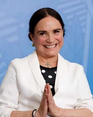 """Regina Duarte, que iria """"presidir"""" Cinemateca, cala-se sobre o incêndio"""