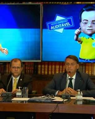 Quem é o 'analista de inteligência' que acompanhou Bolsonaro em live marcada por fake news