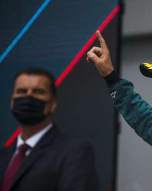 """Vettel critica reprimenda da F1 por camisa com arco-íris e diz: """"Faria de novo"""""""