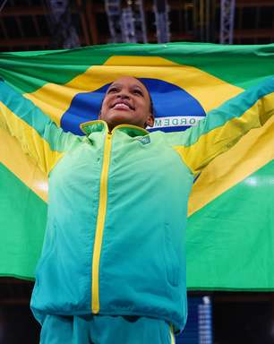 """No """"berço"""" de Rebeca em SP, medalhas inspiram novos ginastas"""