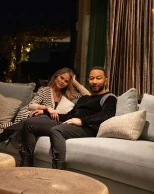 John Legend e Chrissy Teigen vendem mansão em Beverly Hills por US$ 16,8 milhões