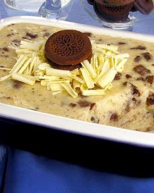 Sobremesa de creme de leite condensado com biscoito