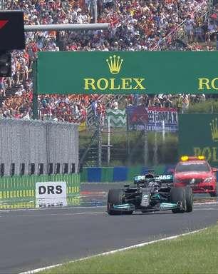 Foto: Hamilton larga sozinho no grid em reinício do GP da Hungria da F1