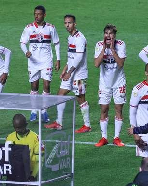 Súmula diz que São Paulo tentou invadir a cabine do VAR
