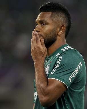 Grêmio fecha com Borja e tenta meia Gastón Ramírez
