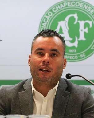 Jair Ventura vê Chape superior ao Santos