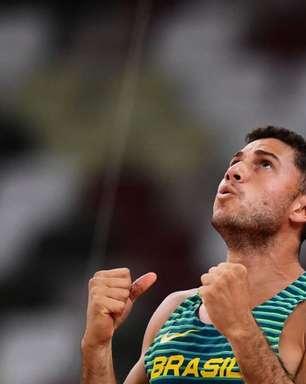 Thiago Braz celebra o bronze na Olimpíada de Tóquio e lembra: 'Nada foi fácil para mim nesses cinco anos'