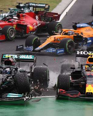 Verstappen foi heróico ao pontuar com carro remendado, diz Evelyn Guimarães