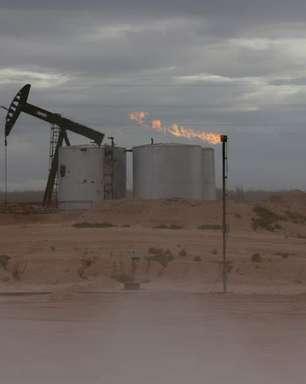 Estoques de petróleo dos EUA crescem; de gasolina recuam, aponta AIE