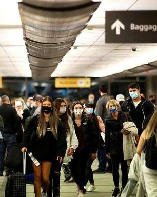 EXCLUSIVO-EUA elaboram plano para exigir vacinação de visitantes estrangeiros