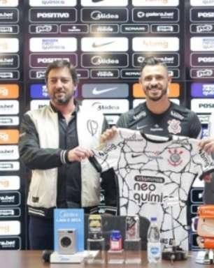 Giuliano explica escolha pelo número 11 no Corinthians; camisa 10 segue no aguardo de um dono