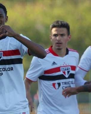 Anílson, lateral do São Paulo, fala sobre 'dívida paga' após boa atuação diante do Audax no Paulista Sub-20