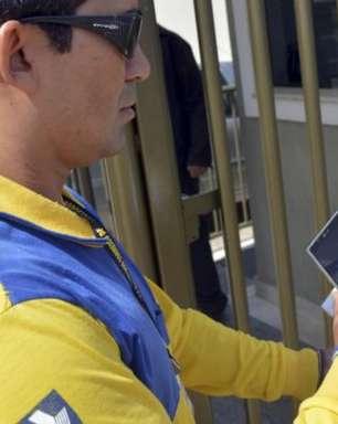 Correios vão comprar 21 mil celulares em 2021 para entregadores