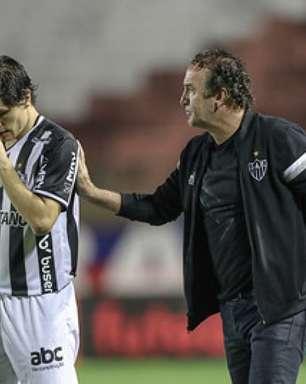 Pensando no River, Cuca indica que vai poupar o time principal do Galo contra o Juventude