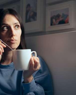Insônia; confira receitas de chás para pegar no sono
