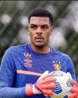 Sport confirma a contratação do goleiro Saulo