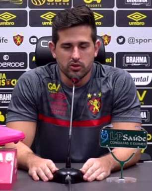"""SPORT: Médico do clube se pronuncia sobre nova cirurgia de João Igor: """"Prazo estimado de 6 a 8 meses de recuperação"""""""