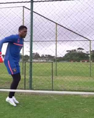 """SPORT: Em seu primeiro dia no clube, Saulo treina forte e destaca trabalho e recepção do elenco: """"Vim pro lugar certo"""""""