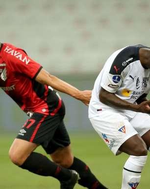 No sufoco, Athletico-PR vence LDU e avança na Sul-Americana