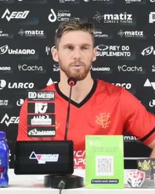 """VITÓRIA: Raul Prata nega primeiro turno 'muito ruim' apesar da equipe estar no Z4 e comemora vitória sobre o Guarani: """"Nos dá ânimo pro segundo turno"""""""