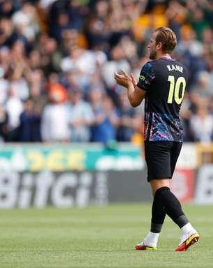 Cobiçado pelo City, Harry Kane anuncia que fica no Tottenham