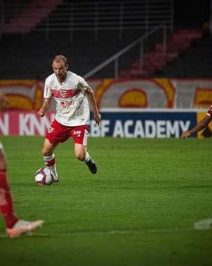 Renan Bressan celebra primeiros gols pelo CRB