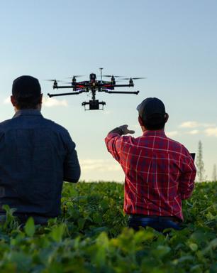 Piloto de drone: alta demanda e diárias a R$ 15 mil