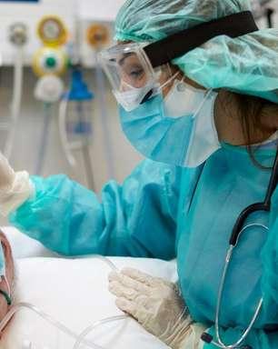 Covid-19: variante Delta dobra risco de hospitalização, aponta estudo