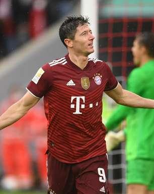 Com três de Lewandowski, Bayern goleia o Hertha pelo Alemão