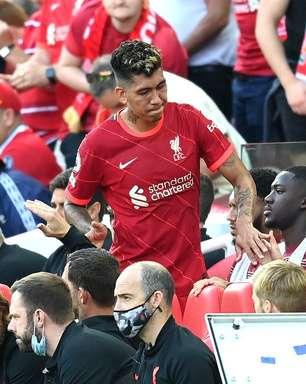Firmino tem suspeita de lesão na coxa e preocupa o Liverpool
