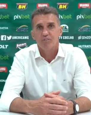 """AMÉRICA-MG: """"Encaixe perfeito"""", ressalta Mancini sobre partida e vitória contra o Ceará"""