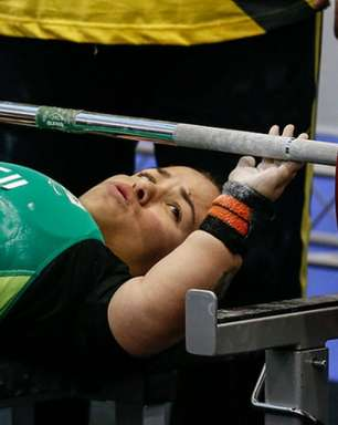 Mariana D'Andrea conquista o ouro no halterofilismo nas Paralimpíadas