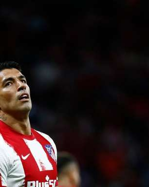 Problema no joelho tira Suárez de partidas das Eliminatórias