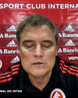 """INTERNACIONAL: """"Não é um ponto fora de casa para comemorar"""", diz Aguirre após empate sem gols contra o Atlético-GO"""