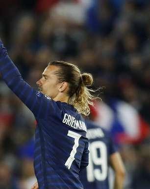 França fica só no 1 a 1 com a Bósnia; Holanda também empata